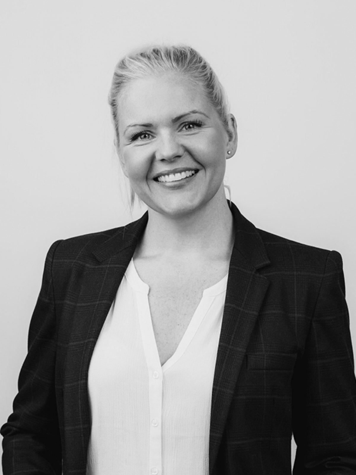 Eiendomsmegler Ingrid Anne Fossli ved Humlehagen på Ensjø